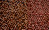 ♪幻の染織と呼ばれるカンボジアの絹絞り染め布