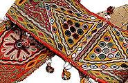 ♪一針一針に神への祈りが込められた婚礼用の瘤牛飾り布