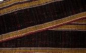 ♪細巾で端整に織り上げられた美しき交織縞帯布